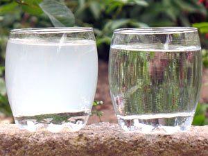 Белая и чистая вода – для сравнения