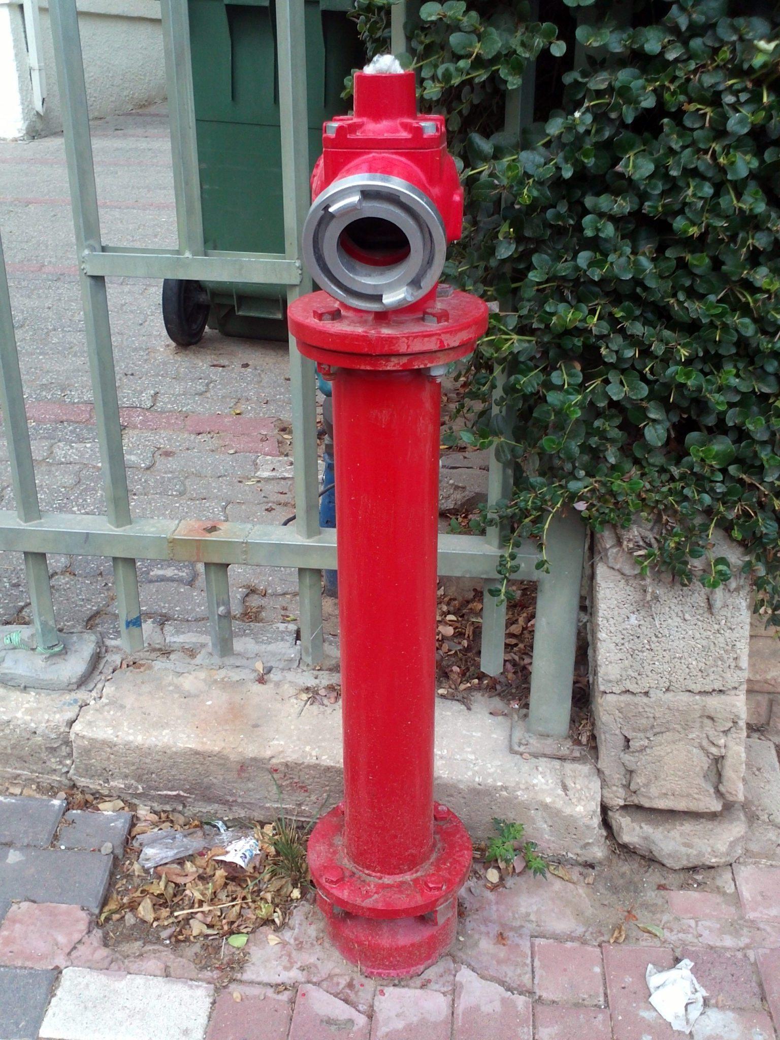из чего состоит пожарный гидрант. схема в разрезе