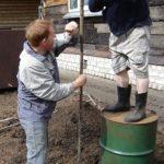 Ручное бурение скважин на воду: эконом-вариант работ по водоснабжению