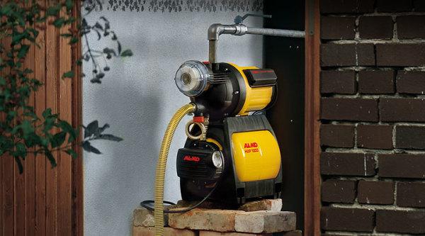 Для небольших глубин уровня воды можно использовать обычную станцию без эжектора.