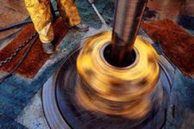 Долото при механическом роторном методе обязательно следует охлаждать при помощи воды.