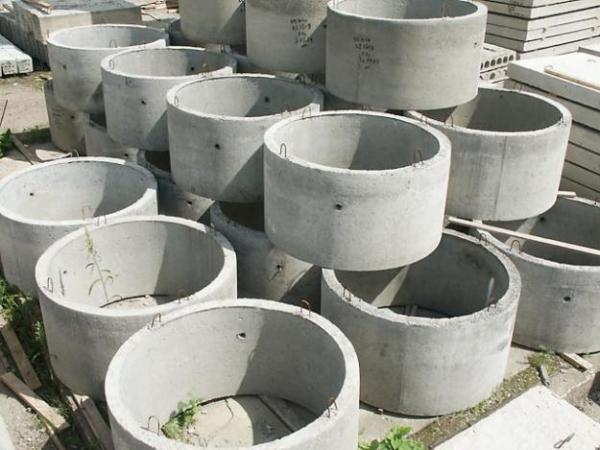 Изделия имеют различную высоту и диаметр