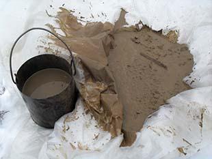 Извлеченный заиленный гравий нужно промыть