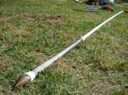 К игле добавляем одну-две секции дюймовых труб.