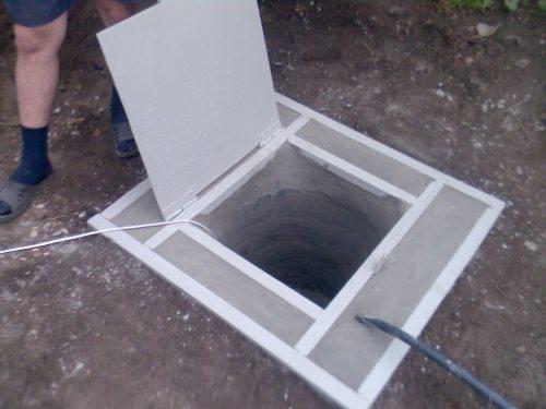Кессон из бетона с люком