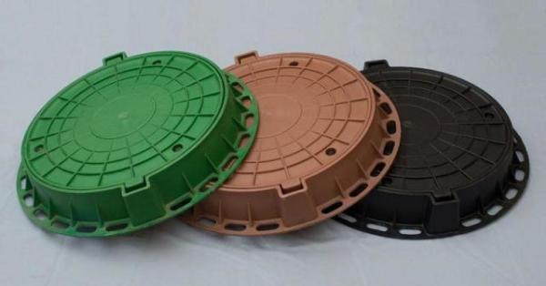 Крышки люков изготовленные из пластмассы