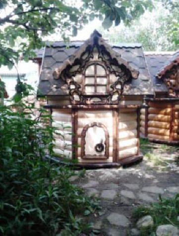 На фото - колодец, изготовленный в русских традициях