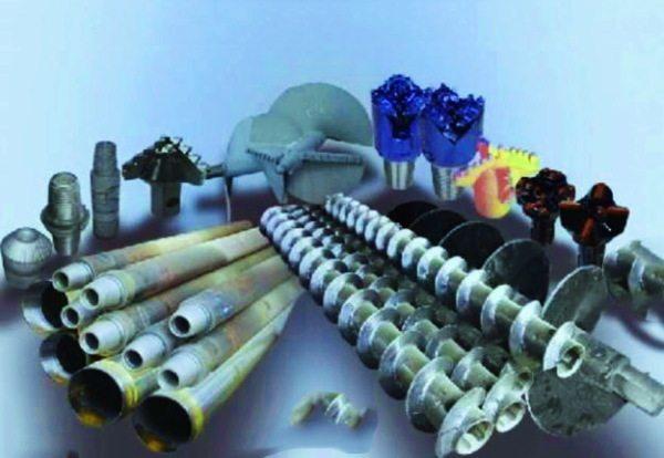 Насадки на буры, шнеки отвода грунта, система труб и другие комплектующие буровых установок, которые исполнитель обычно вносит в статью расходы, поскольку они имеют одноразовое применение или останутся в самой скважине