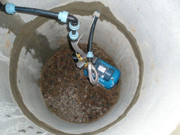 При низких грунтовых водах мы установим станцию в колоде.