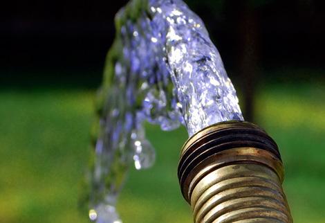 Промывка идет до появления чистой прозрачной воды.