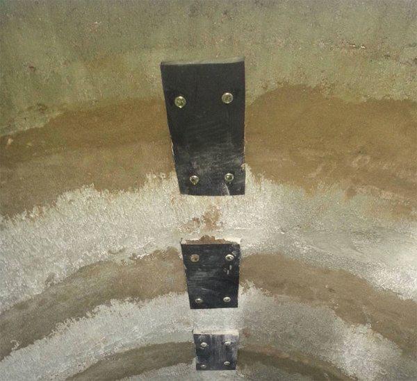Сцепленные бетонные кольца в единое целое.