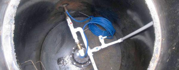 Водопровод в дом из скважины.