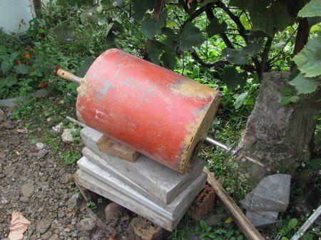 Бур для скважины под воду большого диаметра можно сделать из баллона для газа и сэкономить сотни долларов
