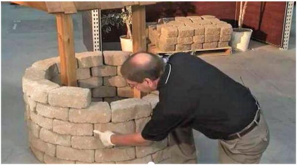 Чтобы реконструировать кирпичную кладку достаточно замазать кладочные швы глиной