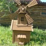 Декоративная мельница, маскирующая скважину