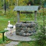 Декоративный колодец из природного камня