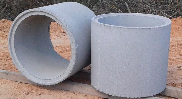 Для обустройства ствола используйте бетонные кольца