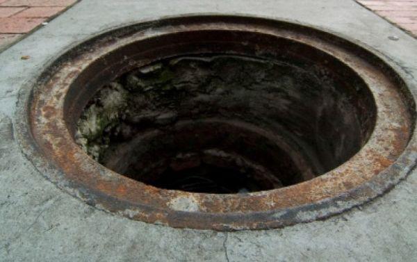 Горловина шахты смотрового колодца