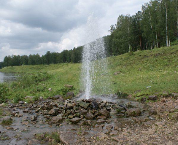 Извержение артезианской скважины