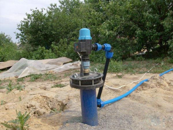 Колпак должен соответствовать диаметру обсадной и водопропускной трубы