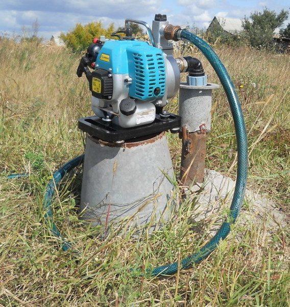 Кроме того, мотопомпы часто применяются для периодического полива участка.