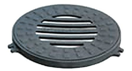 Крышка для дренажного колодца.