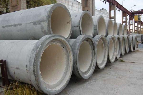 Монолитные бетонные трубы для колодца гарантируют долговечность, высокую прочность.