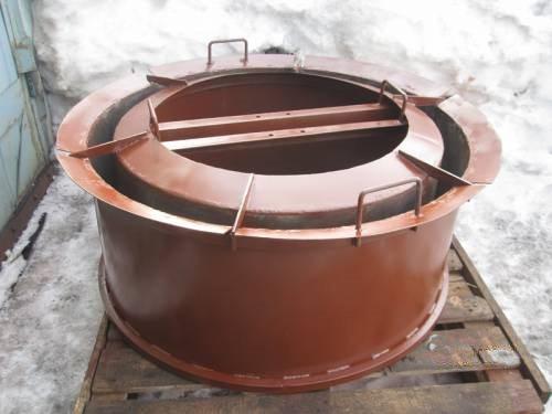 На фото – готовая форма для изготовления колодезных колец из ж/б