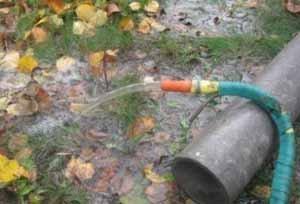 На прямой вопрос, сколько прокачивать скважину после бурения, можно дать и прямой ответ – пока не пойдёт идеально чистая вода