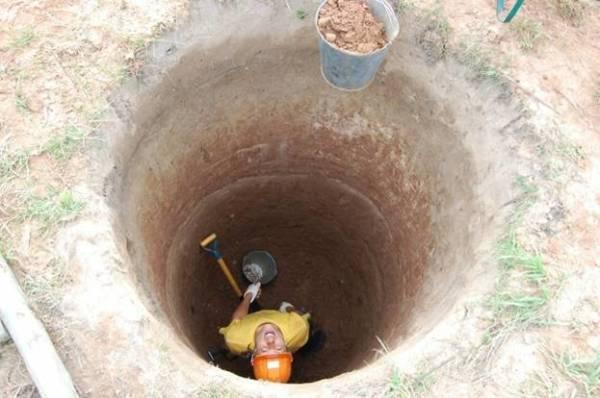 Начинаем копать колодец осенью
