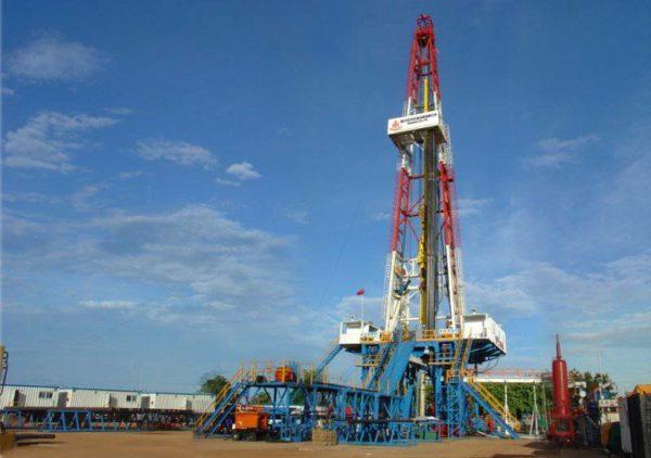 Нефтегазовый сектор использует стационарные платформы для буровых установок.