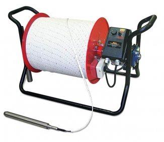 Некоторые производители комбинируют свои изделия, устанавливая на лебедку ультразвуковые датчики