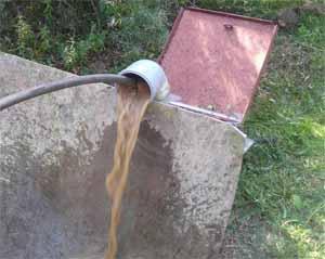 Откачка грязной воды из системы.