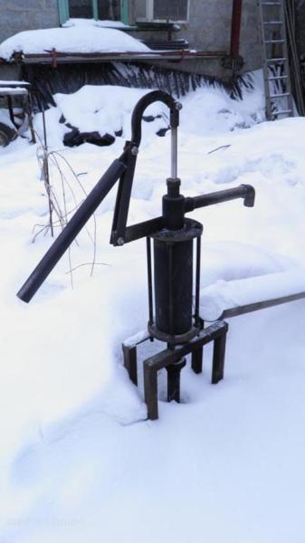 Погружная помпа может эксплуатироваться круглый год. Она не нуждается в постоянном заполнении напорной трубы водой.