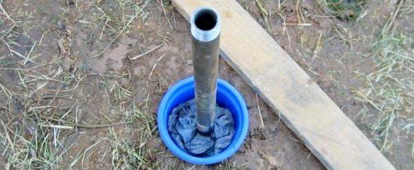 Последнее колено абиссинского колодца с резьбой для подключения насоса