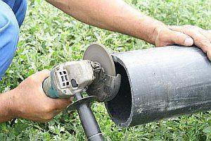 Правильная стыковка труб обсадной колонны очень важна для защиты ствола от мусора и примесей.