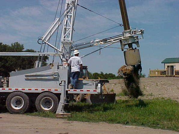 Современное колодезное оборудование позволяет выкапывать шахту за считанные часы.
