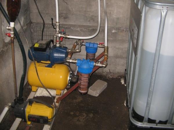 Станция водоснабжения в подвале