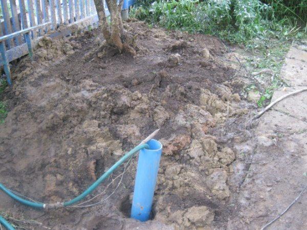 У теплых краев - своя специфика. Труба подачи воды не перемерзает даже без теплоизоляции.