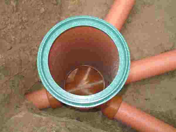 Узловая установка канализации.