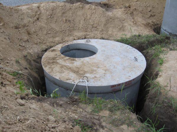 В соответствии с расчетом внутреннего объема резервуара несложно определиться с тем, какой фекальный насос подойдёт для очистки содержимого