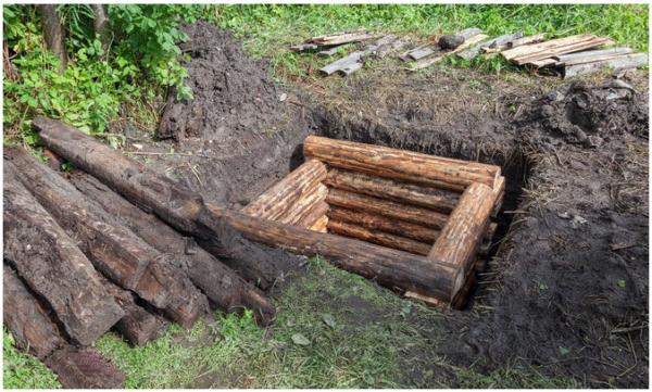Во многих деревнях еще можно найти невзрачные бревенчатые колодцы, а ведь их можно отремонтировать и использовать как прежде
