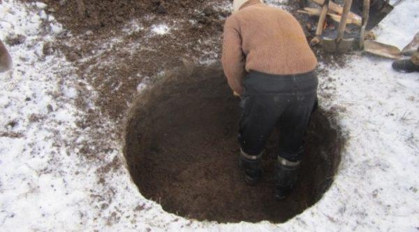 Зимой главная сложность заключается в прохождении верхнего замерзшего слоя почвы
